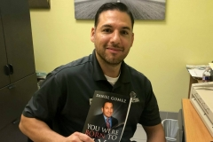 image-of-happy-client-of-daniel-gomez-speaker-in-san-antonio-best-seller-you-were-born-to-fly