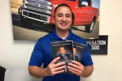image-of-top-selling-author-and-satisfied-client-of-daniel-gomez-public-speaker-in-san-antonio-texas-best-selling-author-on-kindle-and-amazon-confidence-leadership-in-south-texas