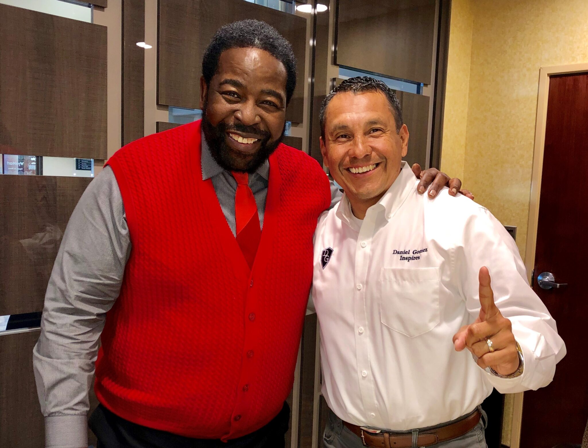 Image of Daniel Gomez Inspires, Les Brown, San Antonio Motivational Keynote Speaker, Corporate Trainer, Confidence Coach, Leadership Development, Team Building, International Speaker